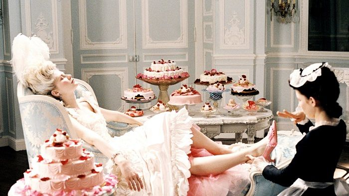 "Famous Moments in History - Marie Antoinette didn't Say ""Let them eat cake"""