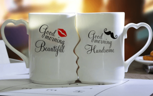 Kissing mugs - Valentine's Day Gift Ideas