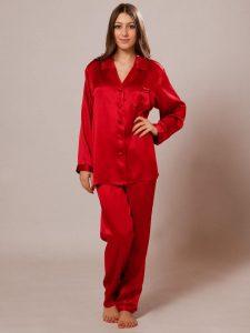 Silk pajamas - Valentine's Day Gift Ideas