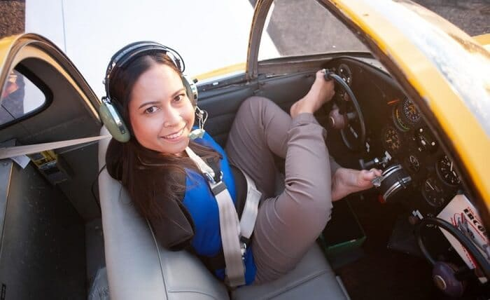 A Woman without Hands Become First License Pilot