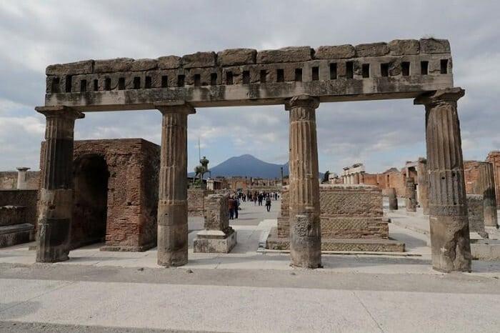 Pompeii, Italy - World's Greatest Lost Cities