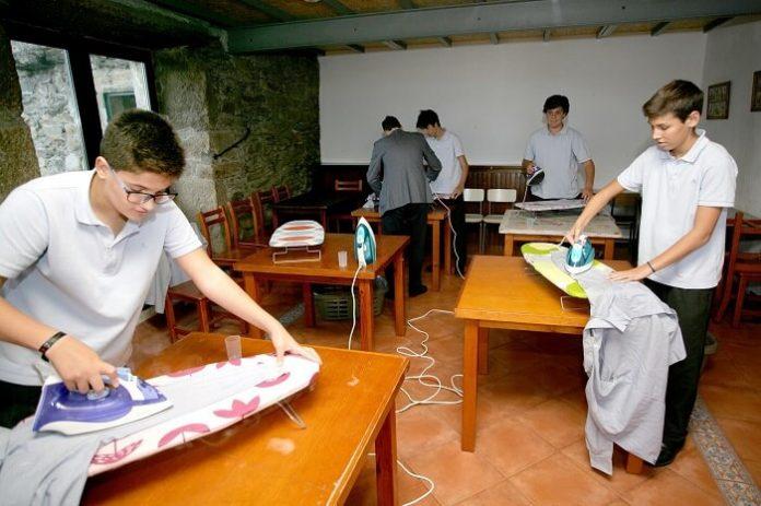 A School in Spain Teaches Boys Household Chores